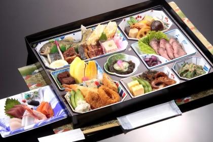 割子法事料理「牡丹」4000円(税抜)
