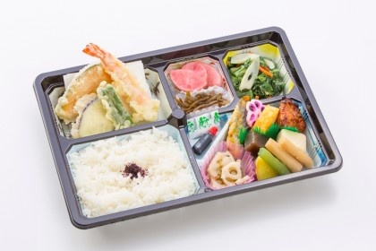 菊水の会席弁当「18品」800円(税抜)