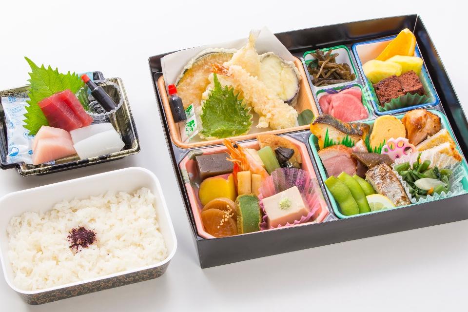 菊水の会席弁当「35品」2500円(税抜)