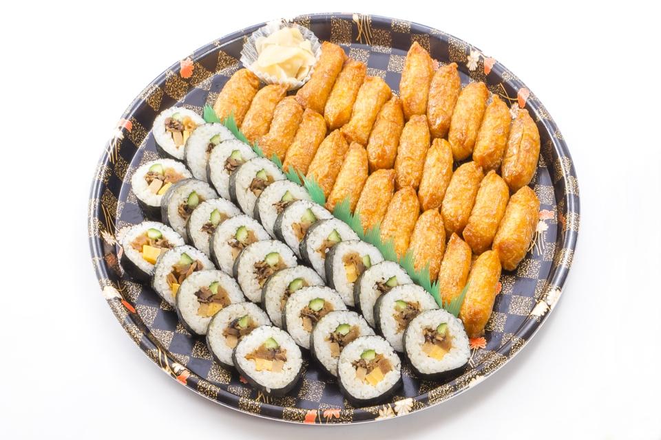 助六寿司大皿3000円(税抜)